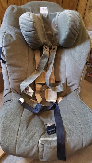 SPECIAL NEEDS PEDIATRIC RESTRAINT SNUG CAR SEAT TRAVELLER PLUS EL BY BRITAX for Sale in Grand Rapids, MI