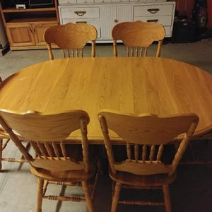 Wooden Kitchen Table for Sale in Corcoran, CA