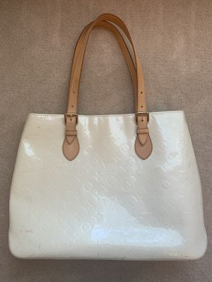 Louis Vuitton Brentwood Tote Bag for Sale in Suwanee, GA