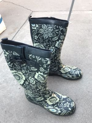 Rain Boots size 7 for Sale in Lynwood, CA