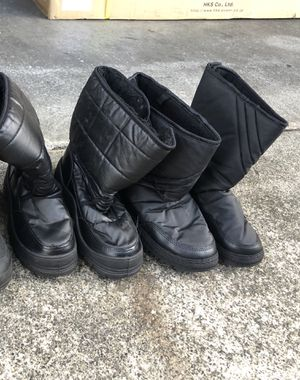 Kids Snow Boots Size 2 & 3 for Sale in San Jose, CA