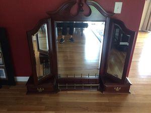Queen bed frame, dresser mirror for Sale in Lake Stevens, WA