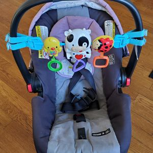 Car Seat With Head Support And Toys for Sale in Concord, MA