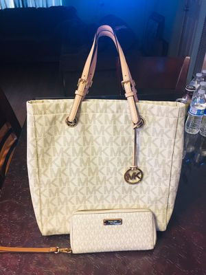 Michael Kors tote bag,and wallet. for Sale in Merced, CA
