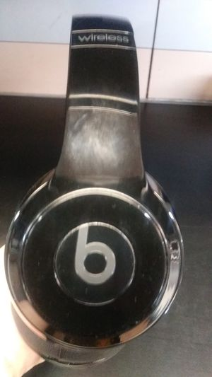 Beats wireless bluetooth headphones for Sale in Tucson, AZ