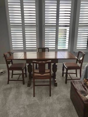 Kitchen/Dining Table & Four Chairs for Sale in Zephyrhills, FL