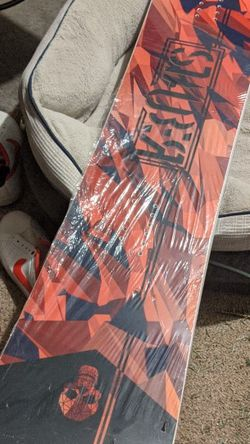 Brand New Snowboard For Someone 5ft5 to 5ft8. Or Shorter Or Smaller.. for Sale in Webster,  NY