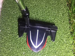 Golf Putter Top Flight / check out my profile of Drivers, Hybrids, Irons, Wedges, & Golf Club Sets for Sale in Hialeah, FL