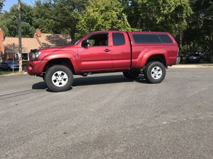 2006 Tacoma 4 cyl 5 speed manual, 4X4 Extra Cab cap for Sale in Annandale, VA