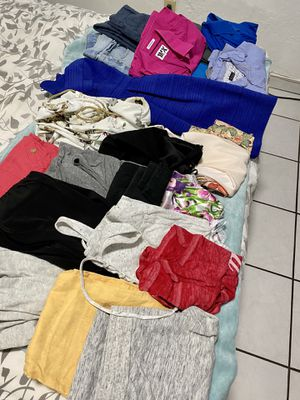 Women and man clothes and shoes 30 pieces .. for Sale in Miami, FL
