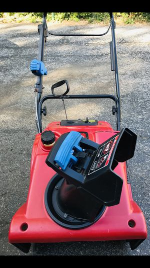 Toro power clear 2 cycle starts at first pull or it has electric start for Sale in Downers Grove, IL
