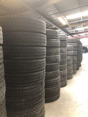 11R22.5 Hankook Used truck tire original for Sale in Glendale, AZ