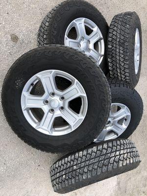 Bridgeston Dueler AT 245/75/R17 for Sale in Orlando, FL