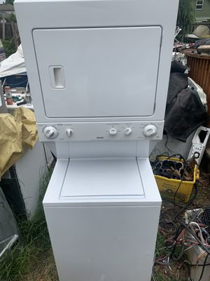 Kenmore Full size washer dryer stacked unit works excellent for Sale in Portland, OR