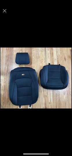LEATHER CAR SEAT COVER (universal) for Sale in Bend,  OR