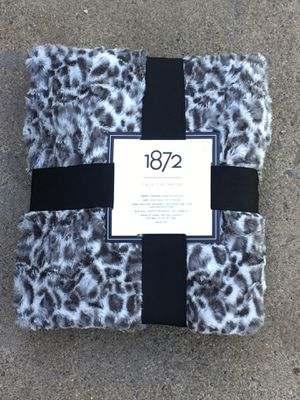 Faux fur throw blanket for Sale in San Jose, CA