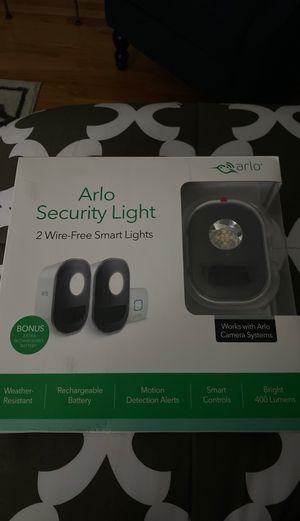 2 ARLO SMART SECURITY LIGHTS NEW for Sale in Hamden, CT