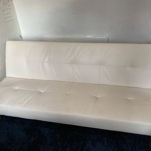 White Futon Couch for Sale in Los Angeles, CA