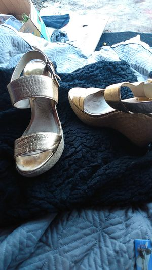 Comfortable Michael kor high heel sandal is shiny gold size 8 for women for Sale in American Canyon, CA