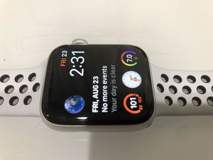 Brand new series 4 44mm. Silver aluminum case for Sale in Queen Creek, AZ