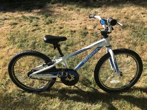 Specialized Hot Rock Kids bike 20 inch tires LIKE NEW for Sale in Sayreville, NJ