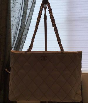 Authentic Chanel Wild Stitch Bag (NO LOW BALL OFFERS) for Sale in Las Vegas, NV