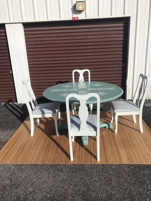 Unique Refinished Round Coastal Clawfoot Dining Room Table W 4 Matching chairs $325 OBO for Sale in Hudson, FL