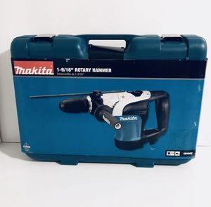New Makita HR4002-10 Amp 1-9/16 in. Corded SDS-MAX Concrete/ Rotary Hammer Drill for Sale in Orlando, FL