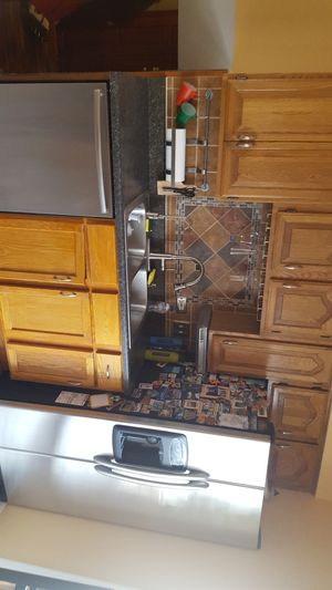 kitchen cabinets with appliances with faucet and sink for Sale in Downers Grove, IL