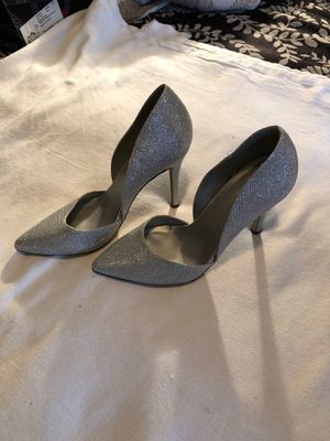 Silver heels (wedding/prom/special occasion) for Sale in Homestead, PA