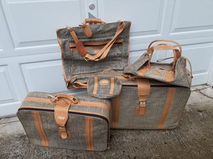 Fifth Avenue luggage set for Sale in Valley Cottage, NY