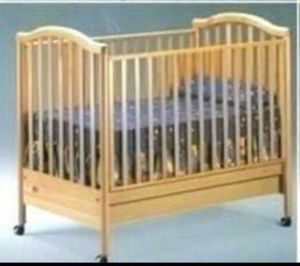 Baby crib for Sale in Mableton, GA