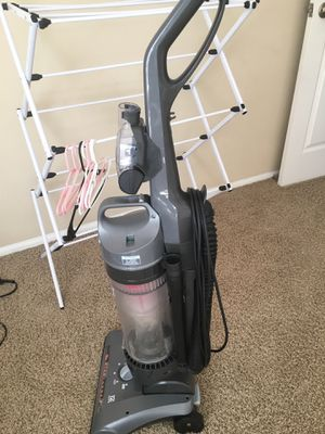 Vacuum cleaner ( Hoover) for Sale in St. Louis, MO