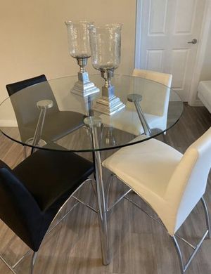 Comedor alto redondo 4 sillas | High diner table 4 chair | for Sale in Miami, FL