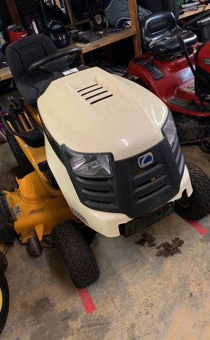 Club cadet riding lawn mower for Sale in Winter Garden, FL