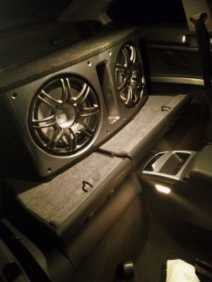 2 12inch polk audio subs with 1000 watt amp for Sale in Las Vegas, NV