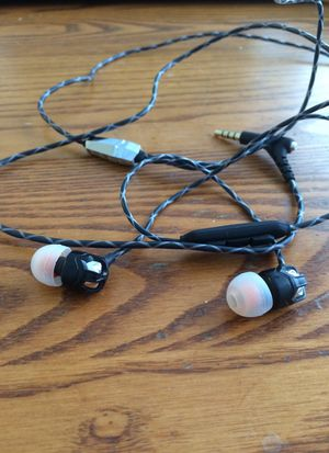 V Moda ZN Earbuds for Sale in Princeton, NJ