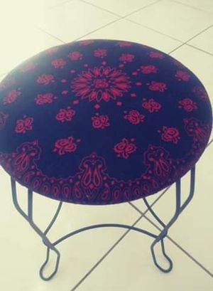 Red and black mini stool for Sale in Sebring, FL