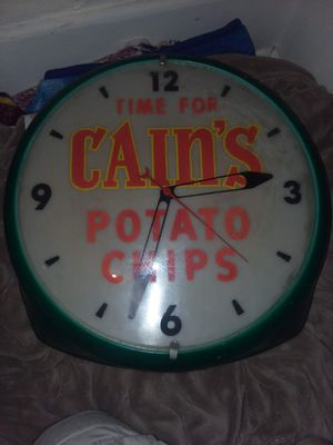 Vintage clock for Sale in Albia, IA