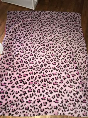Pink Cheetah Fur Throw Blanket for Sale in Highland, CA