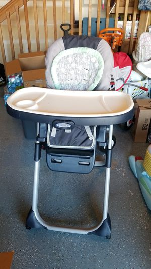 Graco highchair for Sale in Snohomish, WA