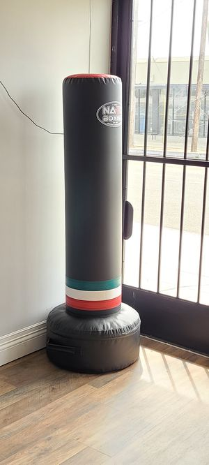 Punching bag freestanding for Sale in Los Angeles, CA