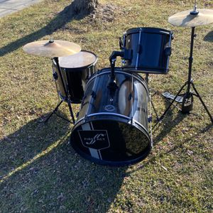 First Act Drum Set Black Full Kit Snare Bass 2 Toms Cymbals Stands for Sale in South Elgin, IL