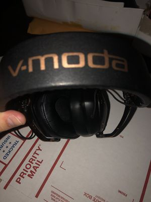 Vmoda crossfade 2 Bluetooth headphones for Sale in Romulus, MI