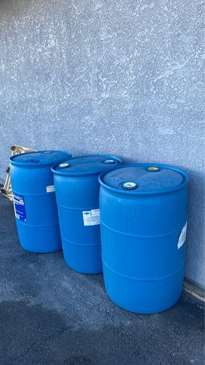 55 gallons plastic for Sale in Las Vegas, NV