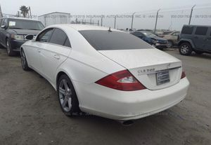 Parts Mercedes cls500 w219 for Sale in Chicago, IL