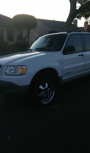 Ford Explorer 2001 for Sale in Los Angeles, CA