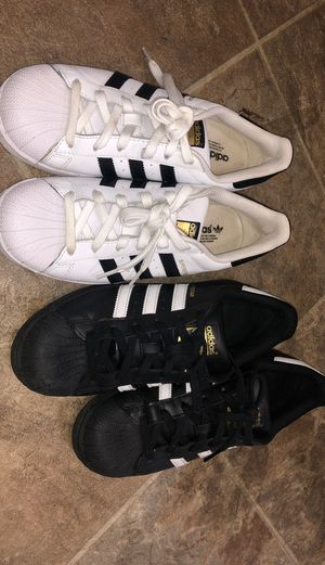 Adidas- Size 7 for Sale in Anchorage, AK