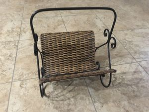 Magazine rack for Sale in Clermont, FL