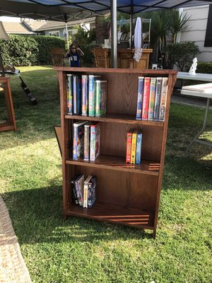 Wooden bookshelf for Sale in Azusa, CA